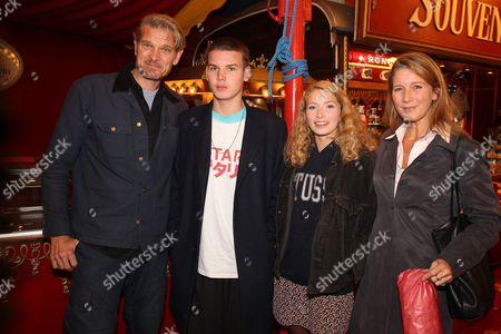 Goetz Otto, Ehefreau Sabine, ihre Kinder Lino, Luna