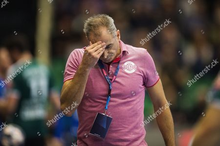 Rafael Guijosa Castillo ( Coach - Abanca Ademar Leon ) reacts during the EHF Men's Champions League match Skjern Handball (DEN) vs. Abanca Ademar Leon (ESP) in Skjern, Denmark, 08 October 2017.