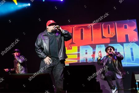 Stock Picture of Color Me Badd perform