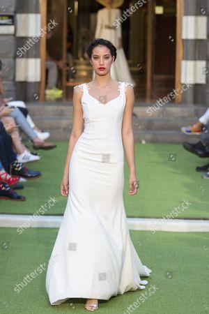 Giovanna Lee on the catwalk