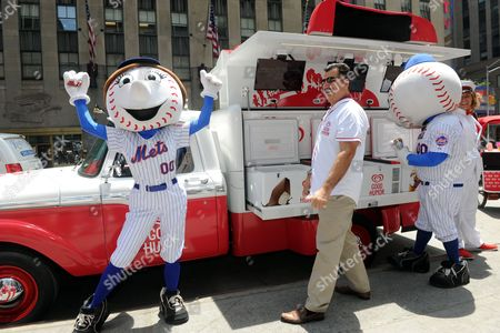 Baseball great Keith Hernandez celebrates the launch of the Good Humor Welcome to Joyhood campaign with Mr. and Mrs. Met in New York, . Follow @GoodHumor on Twitter as the Joy Squad travels to other cities this summer