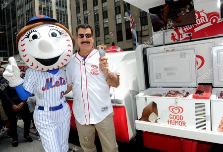 Former Mets first baseman Keith Hernandez acts as an honorary Good Humor Man, handing out frozen treats to fans with Mrs. Met, to officially kick off Good Humor's Welcome to Joyhood campaign, in New York. Follow GoodHumor on Twitter as the Joy Squad travels to other cities this summer