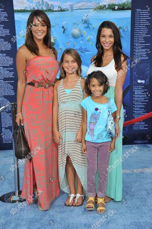 """Eva La Rue attends the premiere of """"Finding Nemo"""" 3D at the El Capitan Theatre, in Los Angeles"""