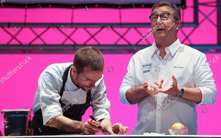 Spanish chef Joan Roca (R) gives a master class at the San Sebastian Gastronomika congress in Barcelona, northeastern Spain, on 10 October 2017. This edition of the Gastronomika centres around the Indian cuisine and will run from 08 to 11 October.