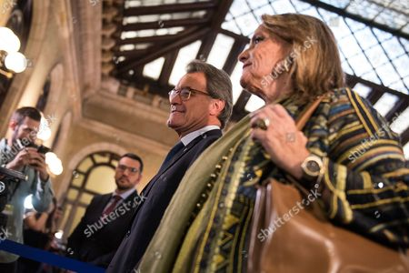 Artur Mas i Gavarro, former president of Catalonia, and Helena Rakosnik arrives to the Parliament of Catalonia