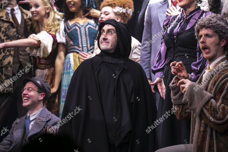 Ross Noble (Igor) during the curtain call