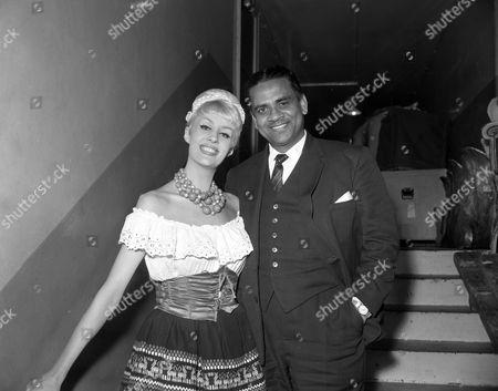 'Sunday Night at the London Palladium'   TV Angela Bracewell and Mr. Wilson