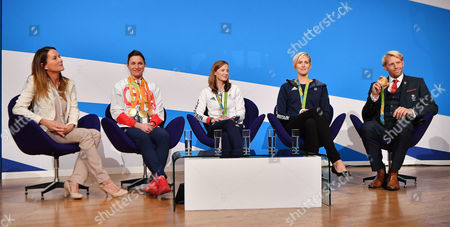 Annie Emmerson With OlyMPians Dame Sarah Storey Vicky Thornley Helen Richardson-walsh And Andrew Triggs-hodge. Annual Conservative Party Conference At The Birmingham International Conference Centre. 3/10/16.