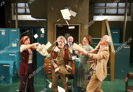 'Alphabetical Order' - Imogen Stubbs (Lucy), Gawn Grainger (Arnold), Ian Talbot (Geoffrey), Penelope Beaumont), Michael Garner (Wally)