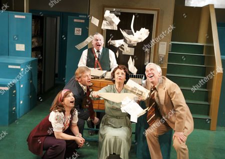 'Alphabetical Order' - Imogen Stubbs (Lucy), Jonathan Guy Lewis (John), Ian Talbot (Geoffrey), Penelope Beaumont), Michael Garner (Wally)