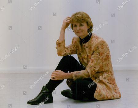 Sue Cook Tv Presenter. Box 759 1025051776 A.jpg.