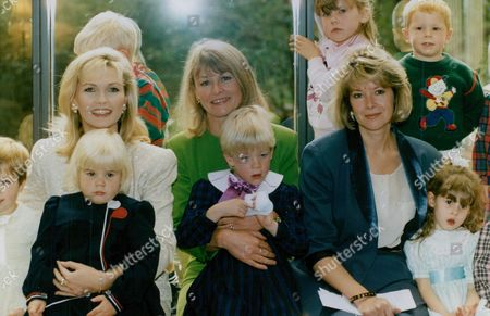 Actress Fiona Fullerton With Tv Presenter Sue Cook And Newsreader Julia Somerville (l-r) And A Host Of Children At A Birthday Lunch To Mark The 30th Anniversary Of The Pre-school Playgroups Association. Box 759 1025051771 A.jpg.