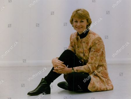 Sue Cook Television Presenter. Box 759 1025051777 A.jpg.