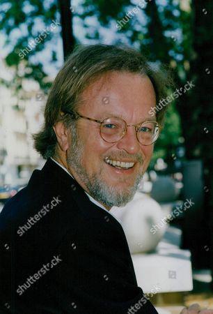 Bernard Cornwell Author Of The Sharpe Novels. Box 760 1030051737 A.jpg.