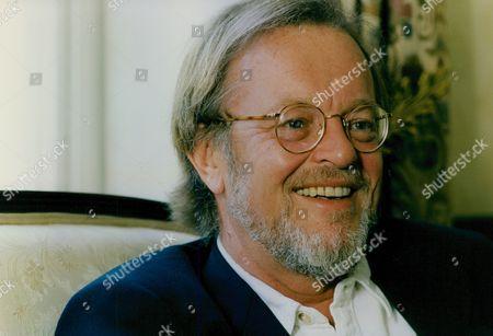 Bernard Cornwell Author Of The Sharpe Novels. Box 760 1030051752 A.jpg.