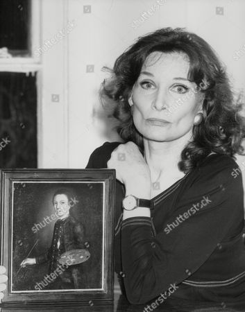 Editorial photo of Actress Adrienne Corri With A Portrait Of David Garrick Believed To Be A Painting By Gainsborough. Box 760 63005176 A.jpg.