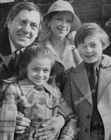 Stock Picture of Actor Harry H. Corbett & Wife Maureen Corbett And Their Children Susannah (7) And Jonathan (9). Box 761 30106176 A.jpg.