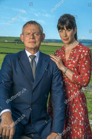 (SR8: Ep6) - Martin Clunes as Doc Martin and Caroline Catz as Louisa Glasson.