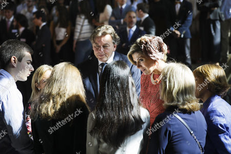 Queen Maxima (3-R) of the Netherlands accompanied by the Dutch Foreign Affairs Minister Bert Koenders, duringa meeting with students at the Lisbon University, Portugal, 11 October 2017. Dutch royal couple are visiting the country from 10 to 12 October.