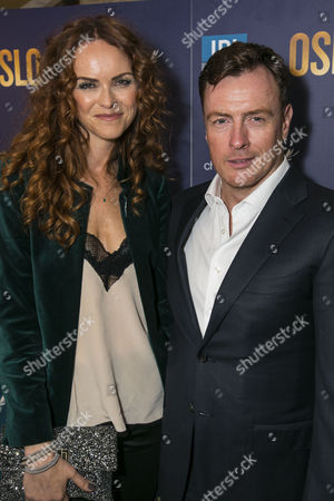 Anna-Louise Plowman and Toby Stephens (Terje Rod-Larsen)