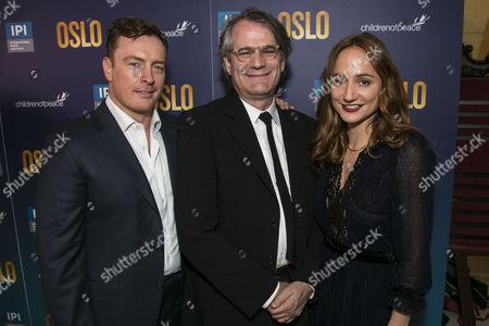 Toby Stephens (Terje Rod-Larsen), Bartlett Sher (Director) and Lydia Leonard (Mona Juul)