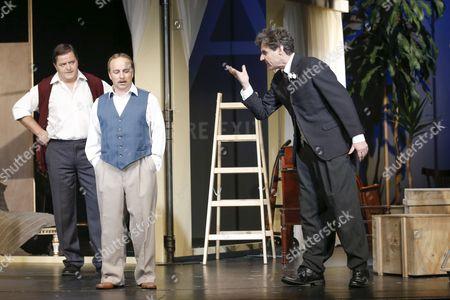 Joerg Westphal (spielt: Al Reeves, Leiter der Chaplin Studios, James, Passant/2. Mann), Karsten Kramer (spielt: Sidney Chaplin Bruder of Charlie), Wolfgang Bahro (spielt Charles Spencer Chaplin)