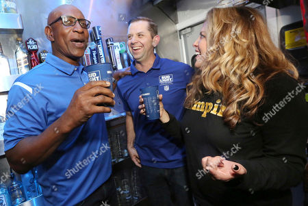 Eric Dickerson chooses a Bud Light Rams Homecoming Brew for his first beer in over 30 years with Bud Light Brewmaster Kevin Towner on Thurs., in Los Angeles. #RamsBrew