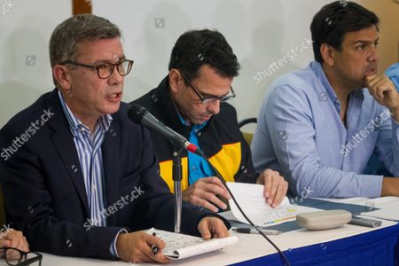 The campaign chief of the Democratic Unity Bureau (MUD), Gerardo Blyde (L), Miranda state outgoing governor Henrique Capriles (C), and Miranda state gubernatorial candidate Carlos Ocariz (R), take part in a press conference in Caracas, Venezuela, 13 October 2017. Venezuelan opposition denounced today that the relocation of near 300 polling stations less than 72 hours of the regional elections of Sunday mainly affects fiefs of the parties against the Government and is a maneuver to subtract votes for the opposition parties. Venezuela is holding regional elections on 15 October.