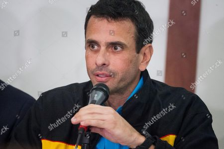 Henrique Capriles, outgoing Governor of Miranda state, participates in a press conference in Caracas, Venezuela, 13 October 2017. Venezuelan opposition denounced today that the relocation of near 300 polling stations less than 72 hours of the regional elections of Sunday mainly affects fiefs of the parties against the Government and is a maneuver to subtract votes for the opposition parties. Venezuela is holding regional elections on 15 October.