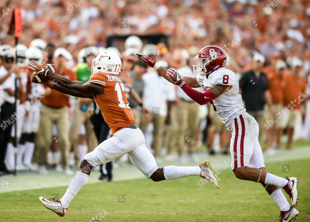 Texas Longhorns wide receiver Reggie Hemphill-Mapps (17) extends his arms to make the catch during the Red River Showdown NCAA Football game between the University of Oklahoma Sooners and the University of Texas Longhorns at the Cotton Bowl Stadium in Dallas, TX Michael Dorn/CSM