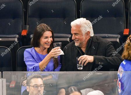Guest and John O'Hurley