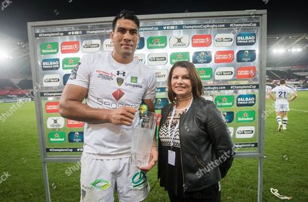Ospreys vs ASM Clermont Auvergne . Clermont's Sebastien Vahaamahina is presented the man of the match by Jane Owen