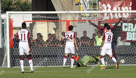 Torino's players react after Crotone's Marcus Rohden (unseen) goal during the Italian Serie A soccer match between FC Crotone and FC Torino in Crotone, Italy, 15 October 2017.