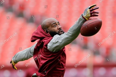 Washington Redskins free safety DeAngelo Hall warms up prior to an NFL football game against the San Fransisco 49ers, in Landover, Md