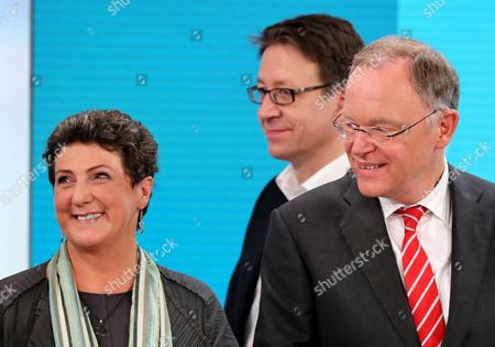 (L-R) Anja Piel, the leader of the The Greens in Lower Saxony and top candidate for the state elections of her party, Stefan Birkner, leader of the Free Democratic Party (FDP) in Lower Saxony and top candidate for the state elections of his party, and Stephan Weil, leader of the German Social Democratic Party (SPD) in Lower Saxony and top candidate for the state elections of his party, during a TV discussion after the regional elections in the German Lower Saxony (Niedersachsen) state, in Hannover, Germany, 15 October 2017. The federal state elections were originally planned for 14 January 2018. The electoral term was brought forward after a deputy of the governing coalition had moved to the opposition fraction of conservatives, and the state government lost its one-vote majority in parliament.