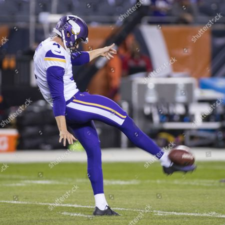 Chicago, Illinois, U.S. - Vikings #4 Ryan Quigley kicks the ball during the NFL Game between the Minnesota Vikings and Chicago Bears at Soldier Field in Chicago, IL. Photographer: Mike Wulf