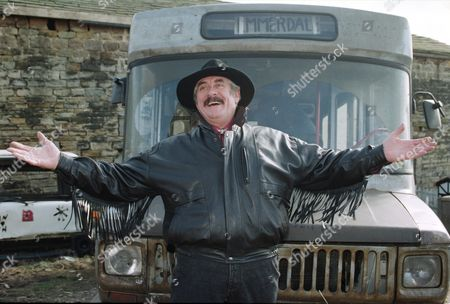 Ep 2186 Wednesday 2nd April 1997  After the Dingle burger wars Marlon says Albert will be arriving with a peace offering - an old bus to start a travel company - With Albert Dingle, as played by Bobby Knutt.