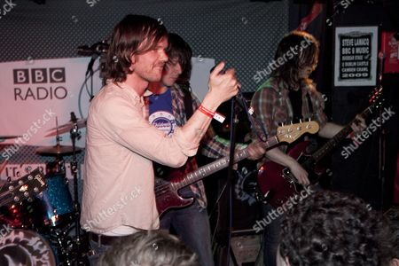 Roddy Woomble and Rod Jones