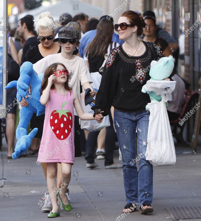Editorial picture of Julianne Moore and children out and about, New York, America - 25 Apr 2009