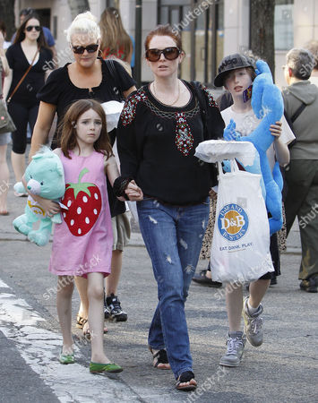 Stock Image of Julianne Moore, son Caleb Freundlich, daughter Liv Helen Freundlich