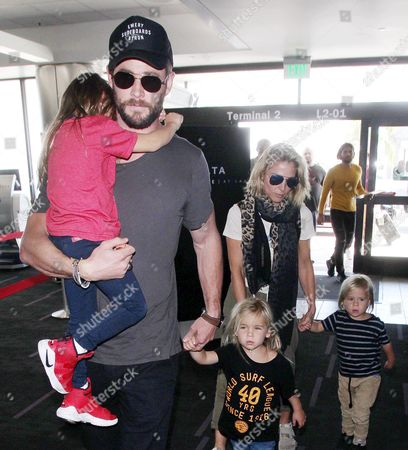 Chris Hemsworth, Elsa Pataky, Tristan Hemsworth, India Rose Hemsworth, Sasha Hemsworth