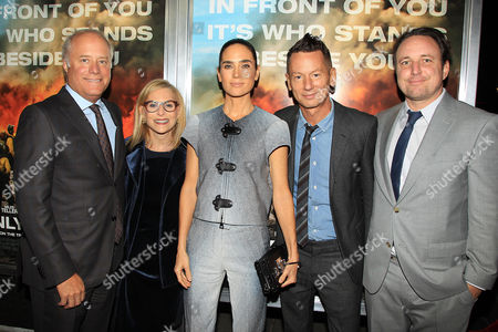 Stock Picture of Bob Sauerberg, Dawn Ostroff, Jennifer Connelly, Jim Nelson and Jeremy Steckler