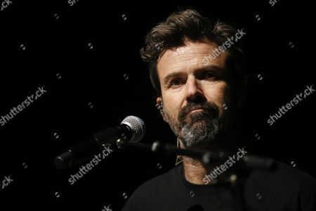Pau Dones, singer and leader of the Spanish band Jarabe de Palo performs during a concert at the Cariola Theater in Santiago de Chile, Chile, 17 October 2017. The concert is part of the '50 Palos' tour.