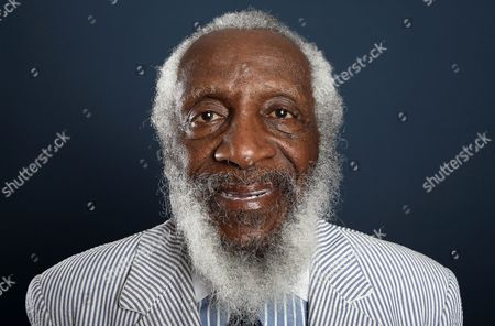 """Comedian and activist Dick Gregory, from the upcoming documentary film """"Soul Food Junkies,"""" poses for a portrait during the PBS TCA Press Tour in Beverly Hills, Calif. A play about Gregory will open off-Broadway this spring starring Joe Morton and with an original song by John Legend. Turn Me Loose, by Gretchen Law will play the Westside Theatre starting May 3, 2016, under the direction of John Gould Rubin"""
