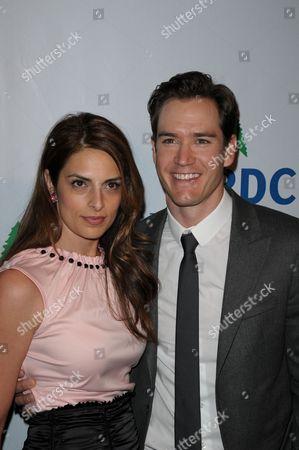 Mark-Paul Gosselaar and wife Lisa Ann Russell