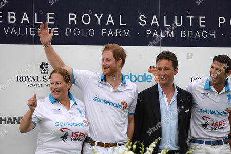 Wellington Fl - May 04: Melissa Ganzi Prince Harry Malcolm Borwick Bob Jornayvaz Are Seen During the Awards Ceremony at the Sentebale Royal Salute Polo Cup On May 4 2016 in Wellington Florida People: Melissa Ganzi Prince Harry Malcolm Borwick Bob Jornayvaz ***no Uk*** United States of America Wellington