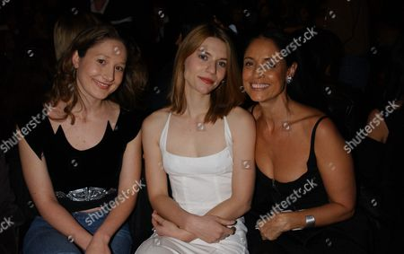 L-r: Claire Danes and Sonia Braga Sit Front Row During the Narcisco Rodriguez Fall 2004 Collection Held in Bryant Park On Tuesday February 10 2004 in New York Photo by Gina James / Graylock Com / Retna Ltd United States New York