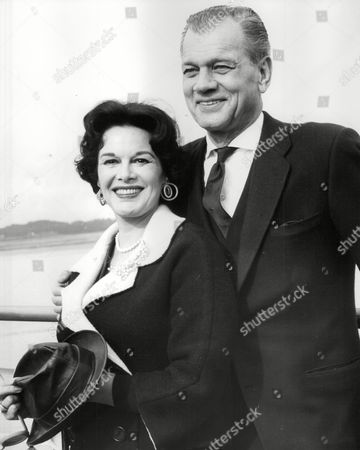 Editorial image of American Actor Joseph Cotten And His Actress Wife Patricia Medina (she Is His 2nd Wife) On Arrival At Southampton. Box 763 408061725 A.jpg.