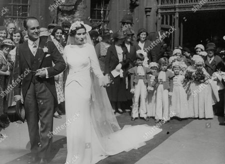 Editorial picture of Wedding Of The Hon. Patricia Berry 3rd Daughter Of The 1st Viscount Camrose To Capt. Roger Chetwode. Box 763 708061724 A.jpg.