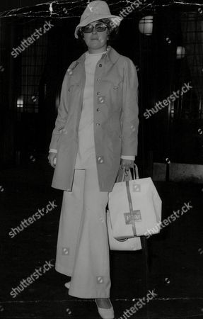 Stock Photo of Mrs Jan Crawford From New York. Ascot Fashions 1969. Box 766 522061743 A.jpg.